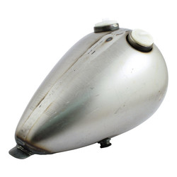 8,3 liter Dual cap wasp-style gas tank