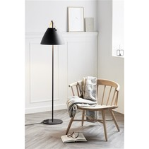 Scandinavian style floor lamp white or black E27