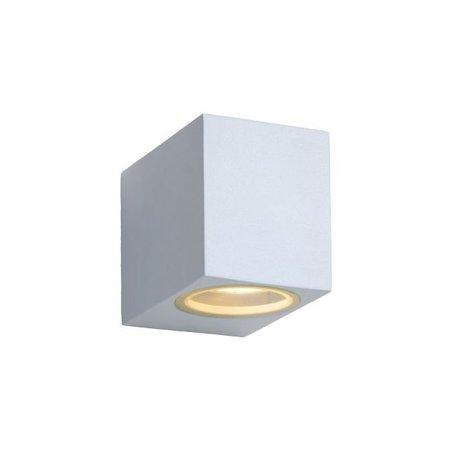 Strakke wandlamp buiten down met spotje