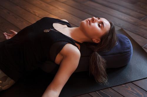 sleeping better by meditating