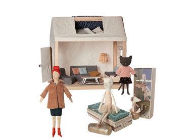 dollhouse & mousehouse