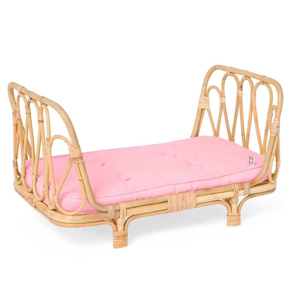 Poppie Toys Rotan poppenbed met roze matras