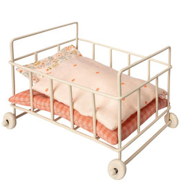 Maileg Maileg baby crib / crib micro with wheels