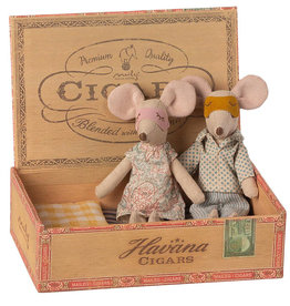 Maileg Maileg mother and father mouse in a cigarette box