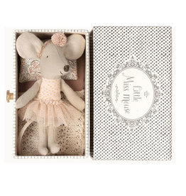 Maileg Maileg Little Miss Mouse im Daybed b choice