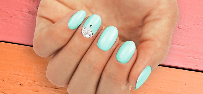 WEAR THE COLORS OF SPRING AND SUMMER ON YOUR NAILS! CRYSTAL NAILS' SPRING/SUMMER TREND COLORWAYS ARE HERE!