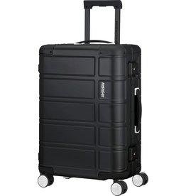 American Tourister American Tourister Alumo  Spinner 55 Black Aluminium handbagage Reiskoffer