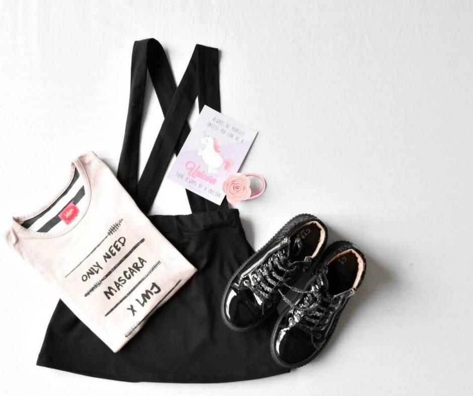 Dress to impress: deze trendy outfit mag je niet missen voor jouw meisje!