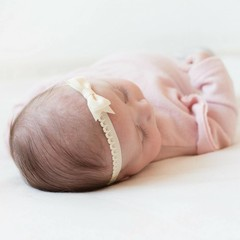 Your Little Miss Newborn baby haarbandje met kanten strik - Ivory