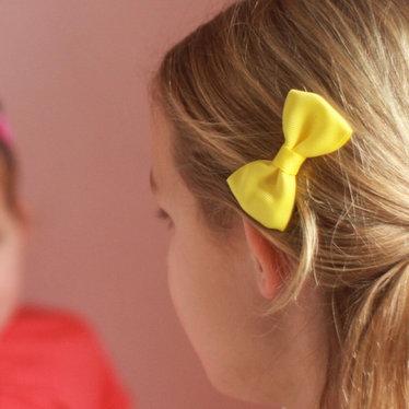 Your Little Miss Haarspeldje met gele strik lemon