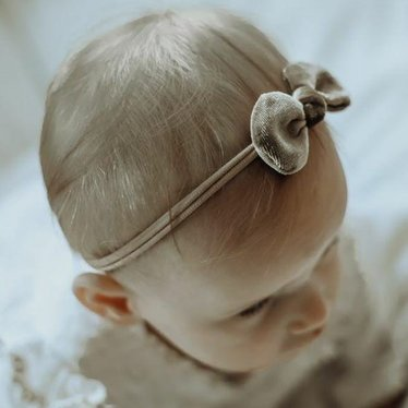 Your Little Miss Baby haarbandje met velvet strikje earth