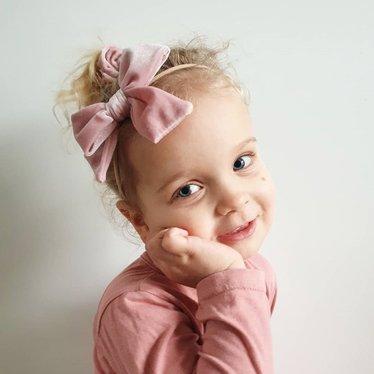 Your Little Miss Meisjes haarbandje met grote velvet strik soft pink
