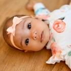 Your Little Miss Peach newborn baby haarbandje kant met strik