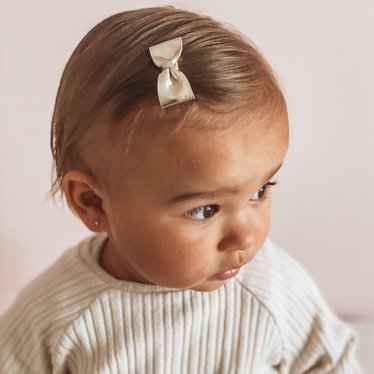 Your Little Miss Kleine  haarspeldjes met strik gold leather