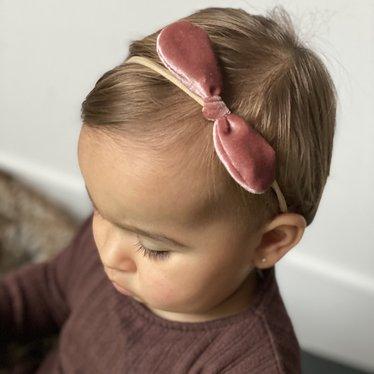 Your Little Miss Baby haarbandje met velvet strikje rosy mauve