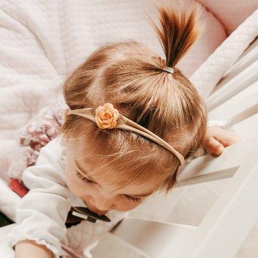 Your Little Miss Nylon baby haarbandje vilten roosje peach
