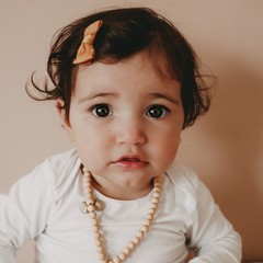 Your Little Miss Baby haarspeldje met strikje - old gold