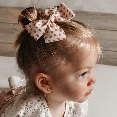 Your Little Miss Haarspeldje met strik large pink hearts