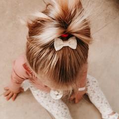 Your Little Miss Baby haarspeldje met strikje - nude hearts
