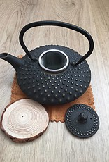 Cast iron teapot traditionally black (0.8 liters)