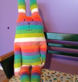 Craftholic® Bunny Hug Rab rainbow colors Medium