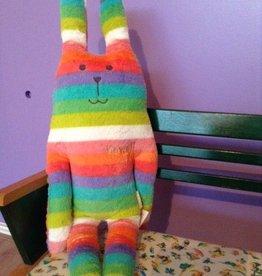 Craftholic® Konijn knuffel Rab regenboog kleuren Medium
