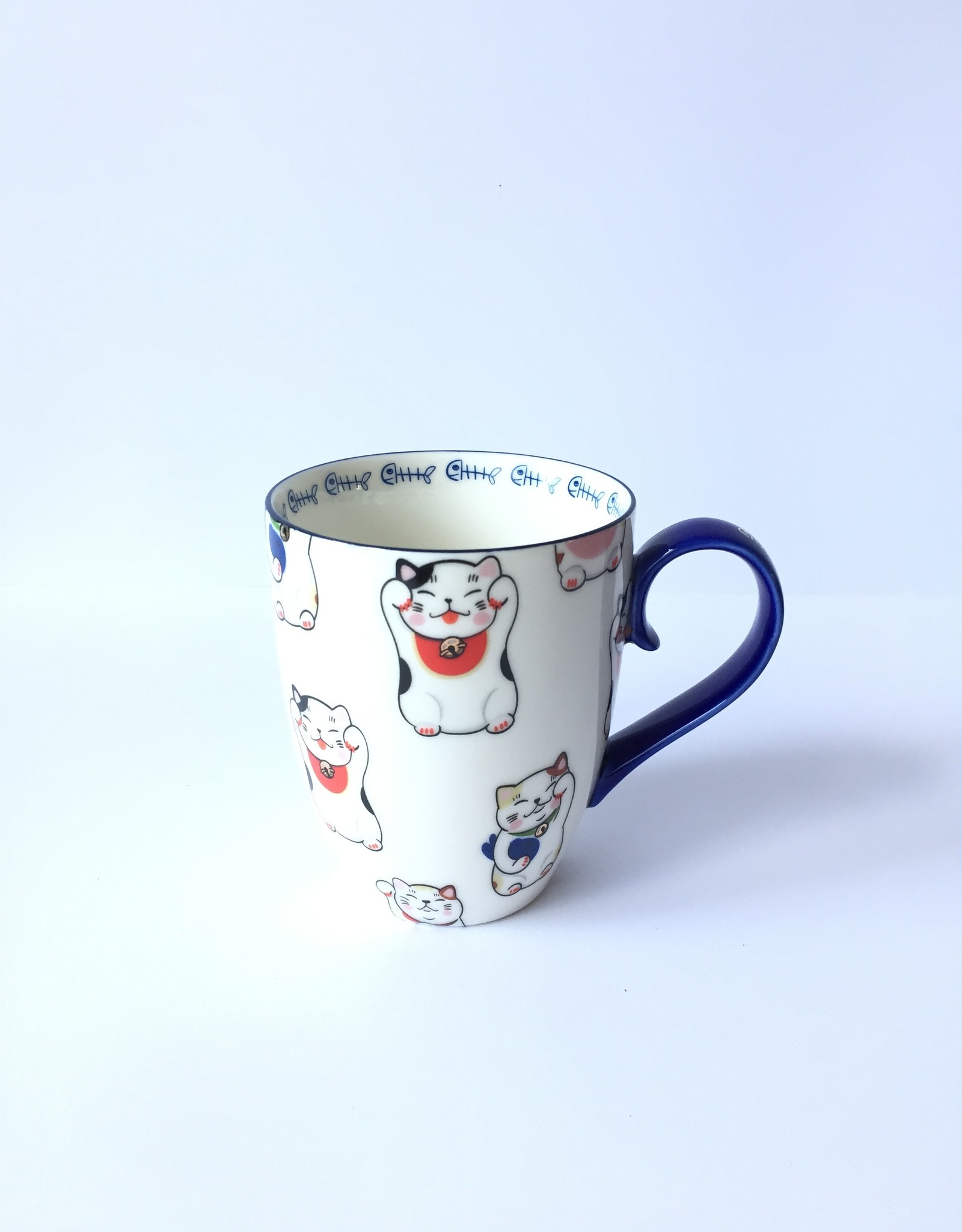 Tokyo Design Studio Kawaii Lucky Cat cup in gift box (White)
