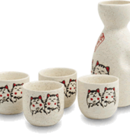 Sake set with kittens