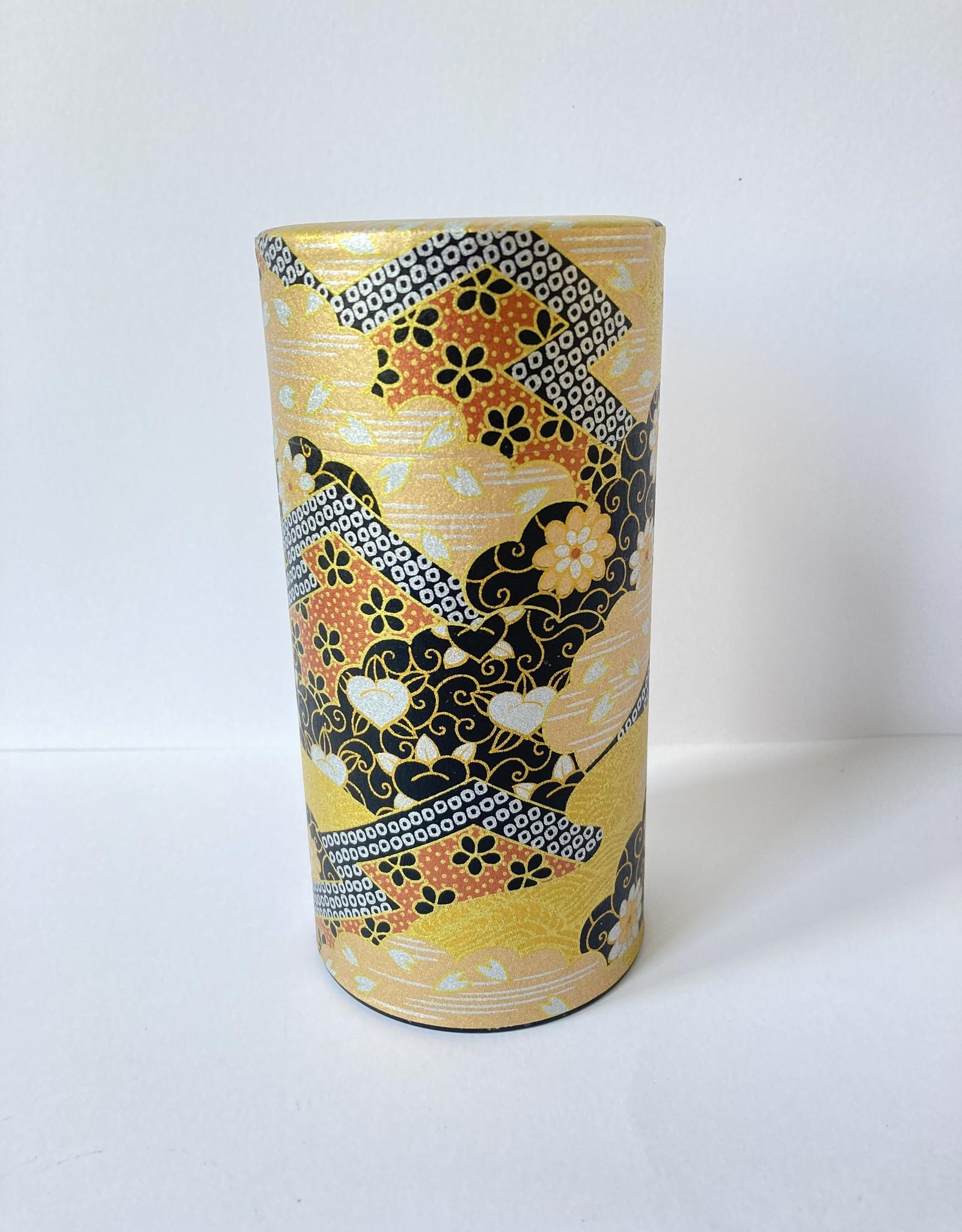 Tokyo Design Studio japans theeblik chique goud met chrysanten