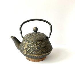 Cast iron teapot bamboo
