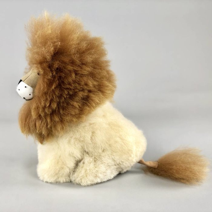 'Lenny the Lion' - Fluffy Toy - Handmade - Hypoallergenic - Beige