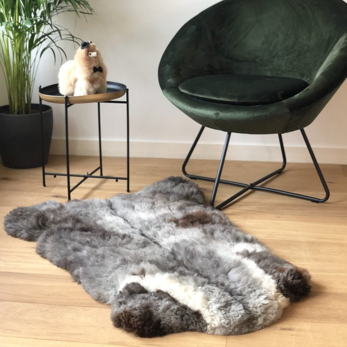 'Reina' - Handmade Alpaca Rug - Limited Edition - Spotted Wolf