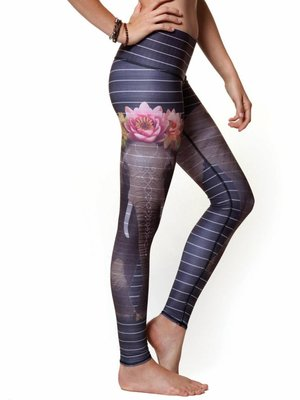 Teeki Yogakleding Love the Elephant - Hot Pants Legging (L)