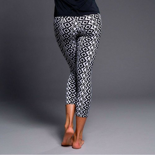 Onzie Yoga Wear Capri Pant - Black Diamond (XS)