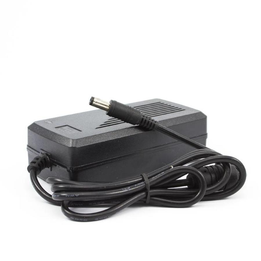 CW-V5A - 12 volt 5000 mA (5 Amp) voor bewakingscamera's