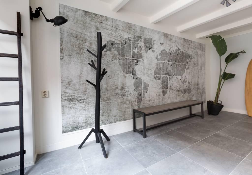 Stoer Metaal bank met ijzeren onderstel en houten zitting Stoer04