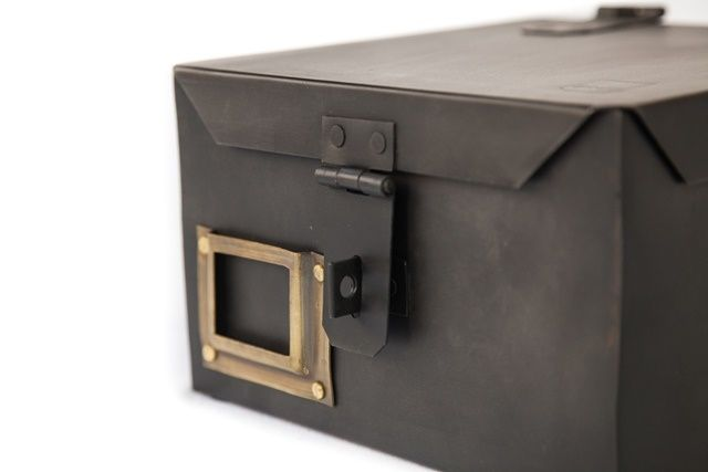 Brut metal box