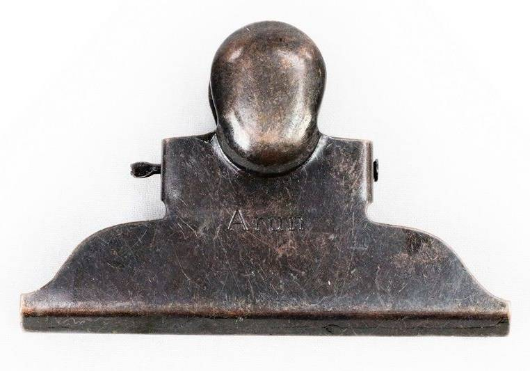 Brut Homeware metal clip, clip Triangle