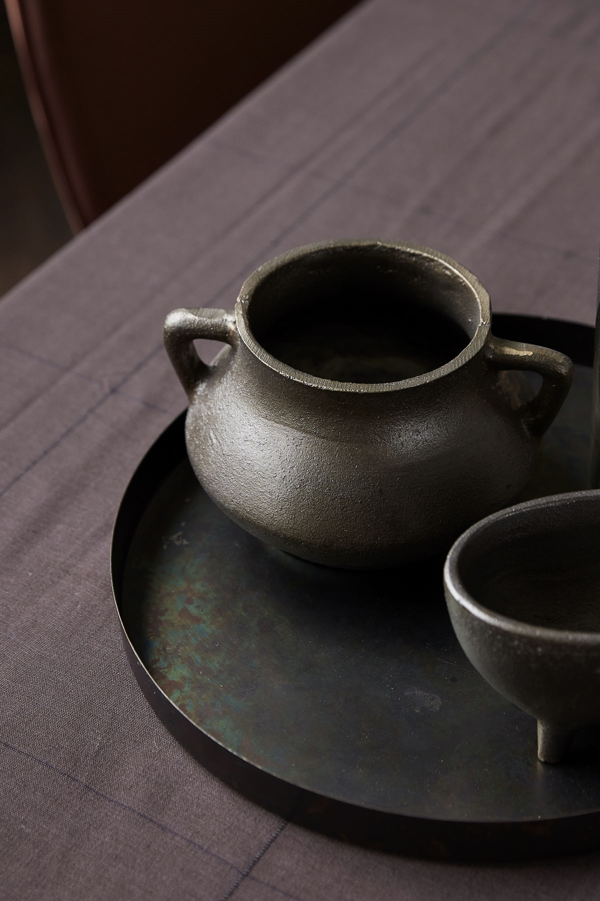 House Doctor plant pot Season met oortjes, antique brown
