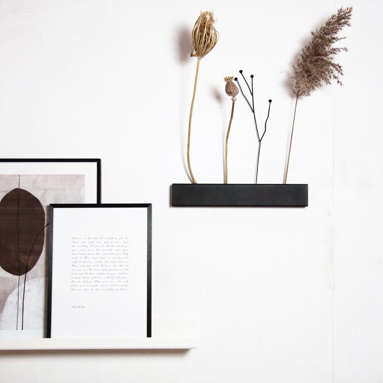 Stoer Metaal  flower holder for on the wall