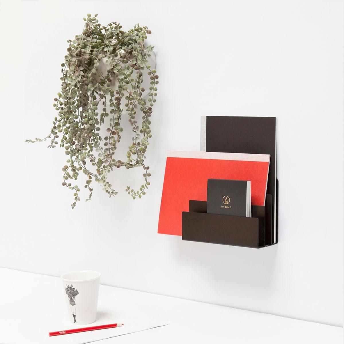 Groovy Magnets magnetic metal magazine holder