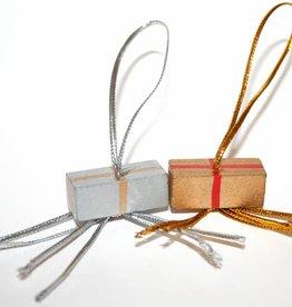 Pendentif cadeau  or et argent