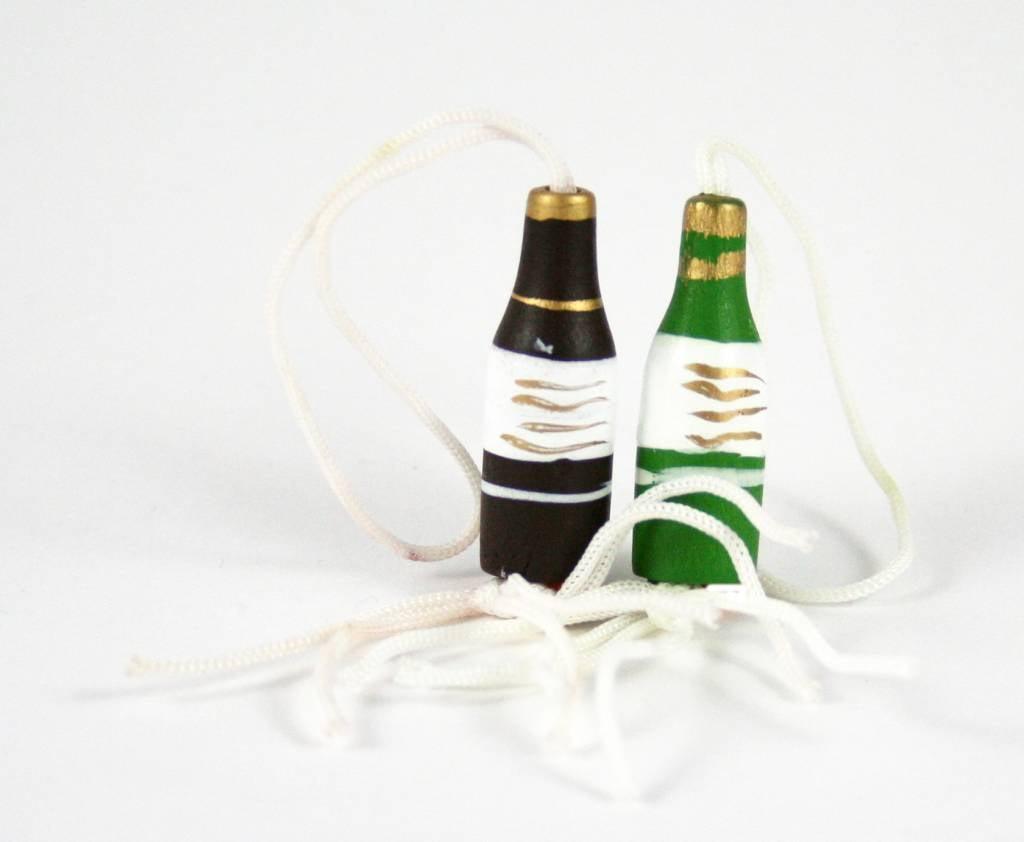 Gelukshangertje wijnfles - 27*10 mm - 50 stuks