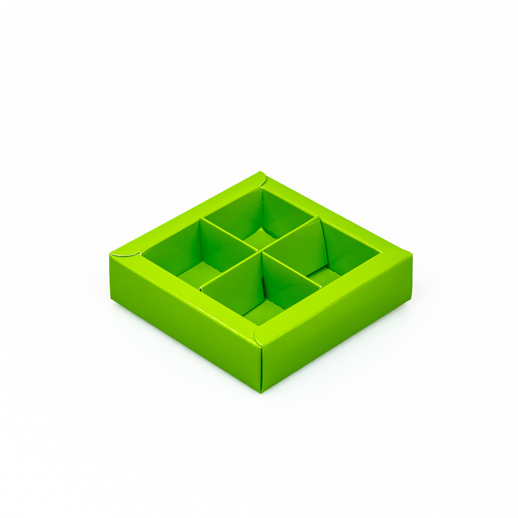 Green square window box with interior for 4 chocolates - 75*75*25 mm - 30 pieces