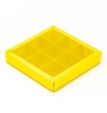 Boîte jaune carré avec interiéur pour 9 pralines - 115*115*25mm - 40 pièces