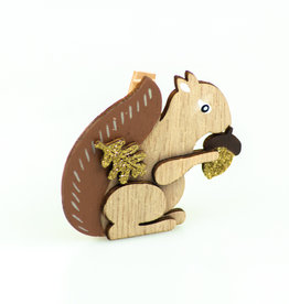 """""""Falling in Leaves"""" Squirrel clip"""
