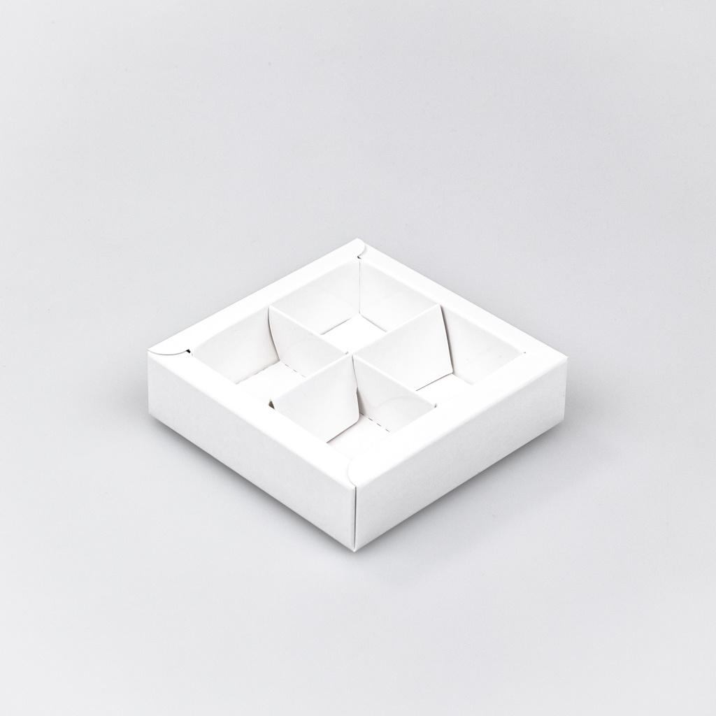 Caja cuadrado blanco con interior por 4 bombones - 75*75*25 mm - 30 unidades