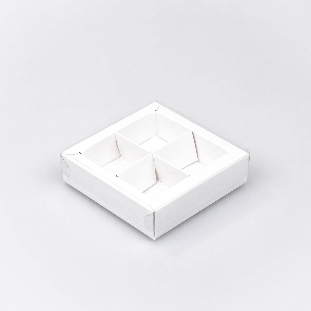 Boîte blanc carré avec interiéur pour 4 pralines - 75*75*25 mm - 30 pièces