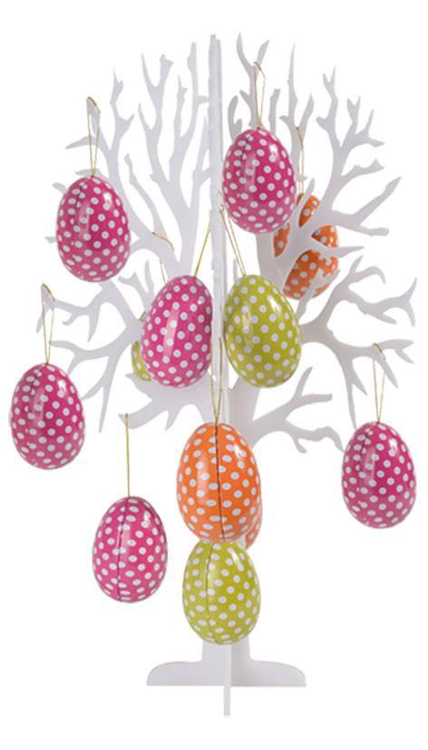 Dekoration Ostereierbaum mit Eiern