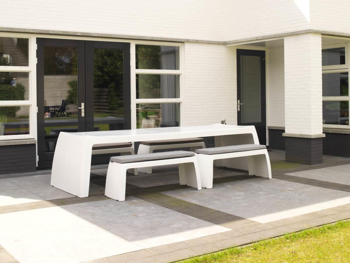 Nieuw! One to Sit indoor & outdoor furniture